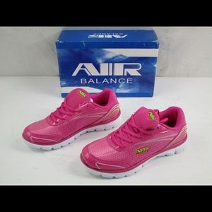 NWT Ladies Air Balance Sneakers Size 6.5
